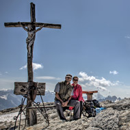 Dolomiten - Kaiserjägersteig, Gipfelkreuz am kleinen Lagazuoi