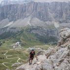 Am Klettersteig, Blick zum Grödnerjoch