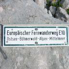 E10 Schild