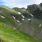 Aufstieg zur Hagener Hütte (Bildmitte)