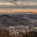 Novemberblick über Ringelai zu den Alpen