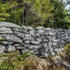 Grundmauern einer früheren Hütte
