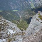 Blick nach unten zur Hütte