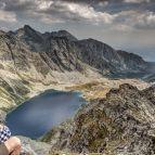 Gipfelblick zum Veľké Hincovo pleso vom Kôprovský štít (2367m),