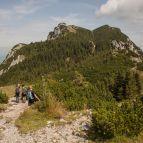 Weiter Richtung Gipfelkreuz (hintere, rechte Kuppe)